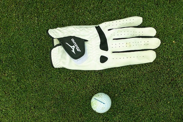 Best Golf Gloves for Rain